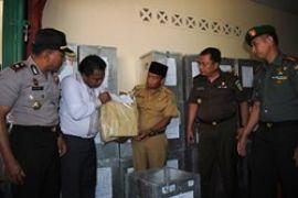 Bupati Natuna Kunjungi KPU/Zam Jambak