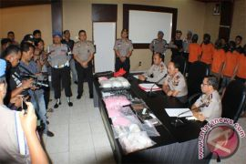 Polda Kepri Ungkap Peredaran Narkotika Bandara RHF