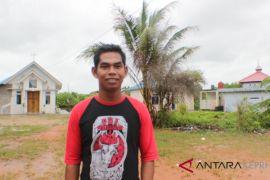 Perbedaan keyakinan menyatukan Suku Laut Desa Berakit
