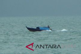 Waspada gelombang tinggi perairan Bintan dan Lingga