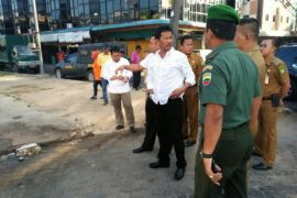 Wali Kota tinjau pemindahan pedagang pasar induk