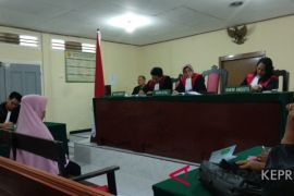 Hakim marahi saksi perkara pembunuhan bayi Bintan