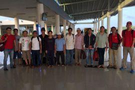 Imigrasi Tanjungpinang Deportasi 10 WNA Vietnam