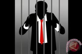 Polisi tahan mantan Kepala Dinas Sosial Karimun