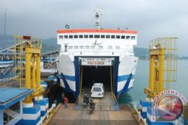 Ratusan warga gunakan Kapal Roro menuju Batam