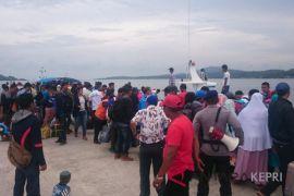 Petugas larang kapal Dabo-Batam berangkat karena overkapasitas