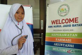 BUMN Hadir - Adellene bawa budaya Kepri untuk warga Lombok