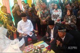 Menpan jadi saksi nikah di MPP Batam
