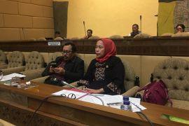 Anggota DPR minta kementerian perhatikan honorer Kepri