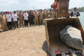 Doa bersama mengawali proyek Gurindam 12 Tanjungpinang