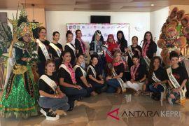 Peserta pemilihan Ibu Internasional kunjungi Batam