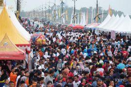 Ribuan warga hadiri peluncuran CFD Jembatan Dompak I