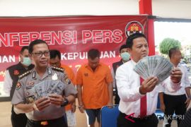 Polda Kepri tangkap kepala KSOP Pulau Sambu