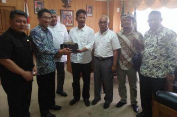 Sidak Komisi I DPRD Kepri di Disdukcapil Batam