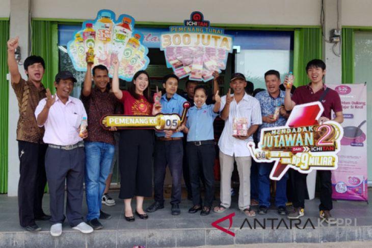 Pedagang Bandrek dapat Rp300 juta dari Ichitan