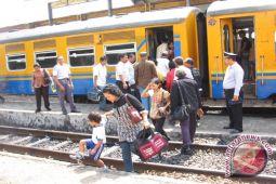 Stasiun KA Kotabumi siapkan 10 ribu tiket
