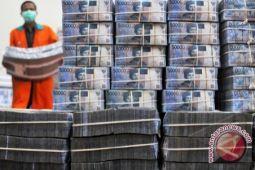 Rupiah menguat karena pasar respons positif paket ekonomi