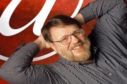 Ray Tomlinson, penemu email, meninggal