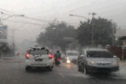 Hujan lebat guyur Bandarlampung, timbulkan kemacetan