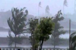BMKG Lampung: Waspadai Hujan Lebat & Angin Kencang