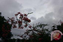 Cuaca di Lampung diprakirakan cerah berawan dan hujan