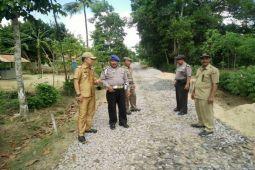 Lampung Tengah Libatkan Warga Bangun Jalan Kampung