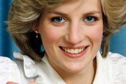 Setelah kematian Diana, publik kritik keluarga kerajaan