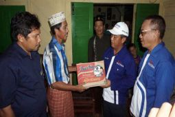 Korban Banjir Di Kelumbayan Tanggamus Dapat Bantuan