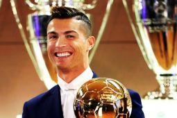 Ronaldo Ungguli Messi Untuk Menangi Ballon D'or Kelimanya