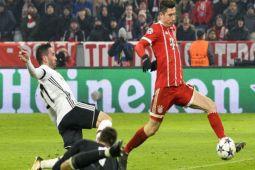Dua gol Lewandowski bantu hancurkan Besiktas 5-0
