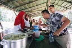 Ridho Ficardo Nikmati Kuliner Tahura WAR
