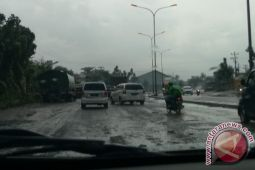 Jalinsum Lampung makin rusak parah