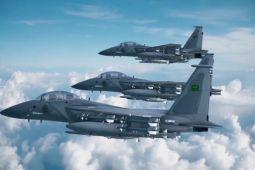 Pesawat F-15 koalisi Arab Saudi dirudal