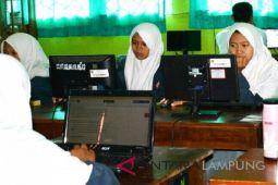 Siswa tak kesulitan ujian dengan sistem online