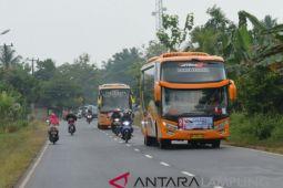 Jalan Lintas Timur Lampung padat