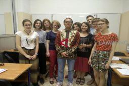 Giri bangga ajarkan bahasa indonesia di Rusia