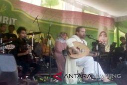 Kampanye Arinal-Chusnunia dimeriahkan grup musik