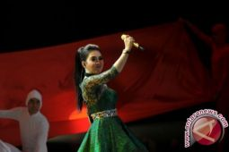 Tiket konser Syahrini seharga Rp25 juta habis terjual
