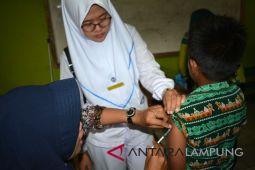 Pemberian vaksin MR Waykanan lampaui target nasional