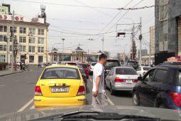 Mongolia larang pejalan kaki gunakan ponsel di perempatan jalan