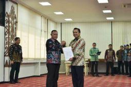 Gubernur Serahkan Surat Tugas Plt Bupati Lampung Selatan