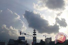 Lampung diprakirakan cerah berawan-hujan