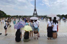 Suhu makin panas, industri wisata justru