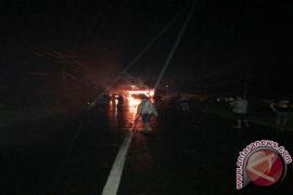 Dua Mobil Terbakar Akibat Kecelakaan di Jalintim