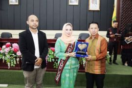 Aprilani Yustin Ficardo Tokoh Sosial Lampung