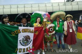 Pendukung Meksiko kreatif menarik simpati