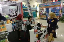 Disbunnak bagikan kopi-susu gratis di Lampung Fair