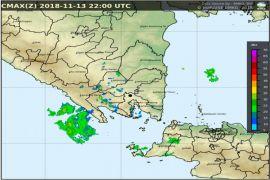 Lampung berpotensi hujan lebat-angin kencang disertai petir