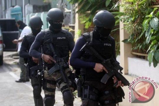 Polisi diserang, Densus ambil alih pengusutannya