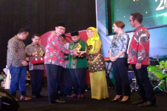 Bupati Lampung Timur Terima Penghargaan API